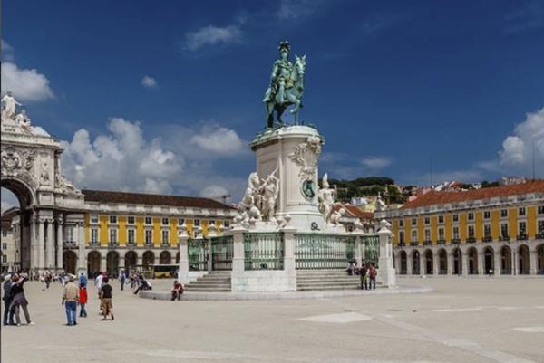 Lisboa dos Descobrimentos, Tuk Away