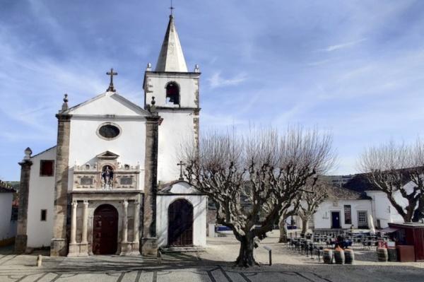 Óbidos, Tuk Away, Igreja